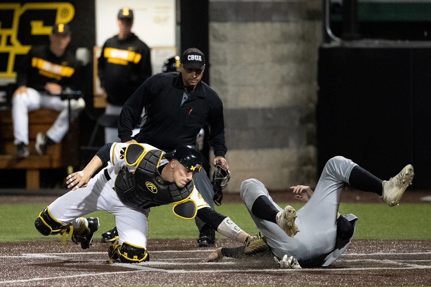 Iowa+catcher+Austin+Martin+tags+out++Milwaukee+catcher+Tyler+Bordner+during+the+baseball+game+against+Milwaukee+at+Duane+Banks+Field+on+Tuesday%2C+April+23%2C+2019.+The+Hawkeyes+defeated+the+Panthers+5-4.