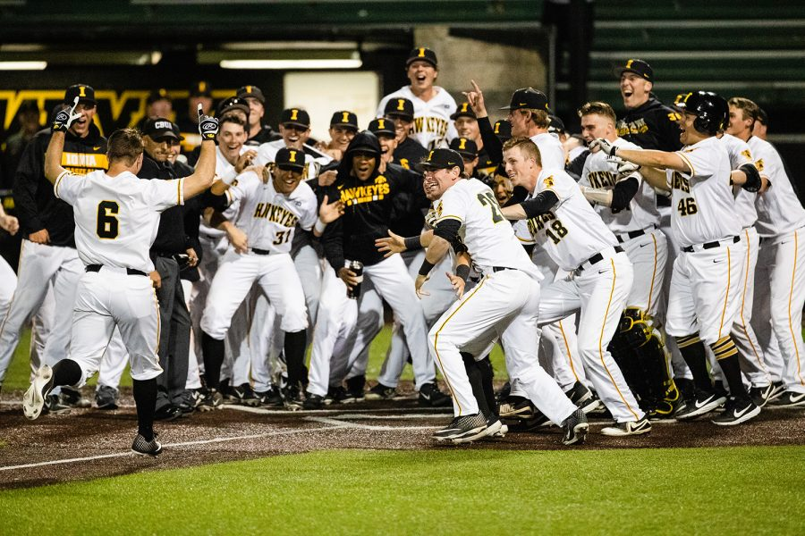 Iowa+outfielder+Justin+Jenkins+bunts+during+the+baseball+game+against+Milwaukee+at+Duane+BanksField+on+Tuesday%2C+April+23%2C+2019.+The+Hawkeyes+defeated+the+Panthers+5-4.