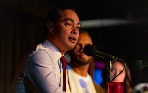 Julián Castro talks immigration, health care during podcast appearance in Iowa City