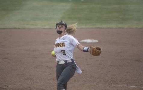 Iowa softball looks to cool off hot Illini