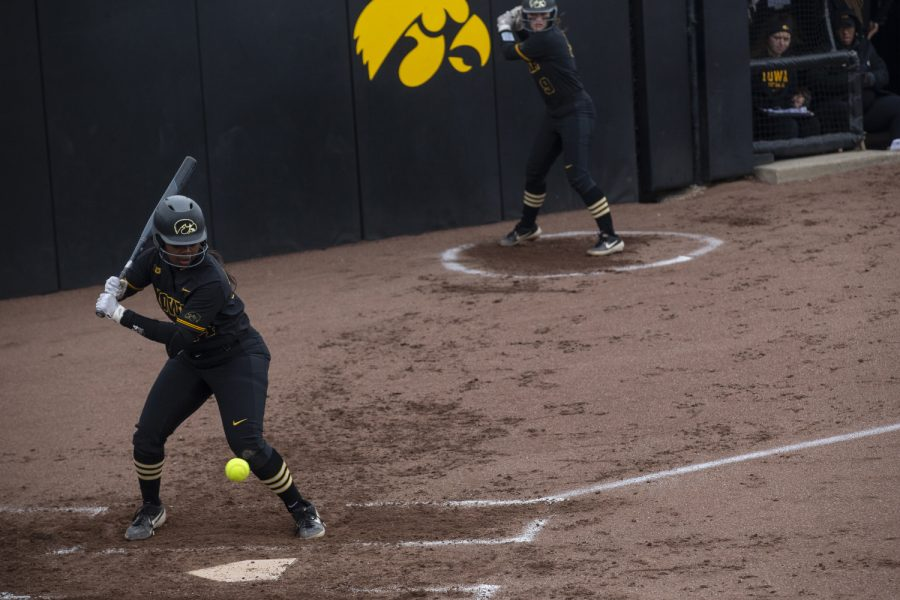 Infielder%2Fpitcher+Donirae+Mayhew+up+to+bat+during+softball+against+Northwestern+on+Bob+Pearl+Field+on+March+30%2C+2019.+The+Wildcats+defeated+the+Hawkeyes+6-2+after+the+7th+inning.