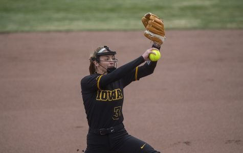 Iowa softball poised for strong stretch after cleaner play