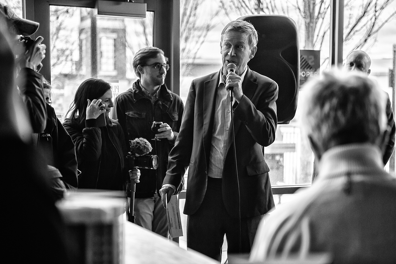 Former+Colorado+Gov.+John+Hickenlooper+speaks+at+Backpocket+Brewery+in+Coralville+on+Friday%2C+April+12%2C+2019.