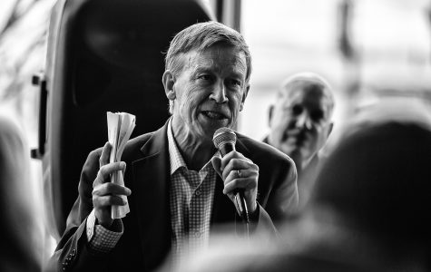 Photos: Former Colorado Gov. John Hickenlooper in Coralville (4/12/2019)