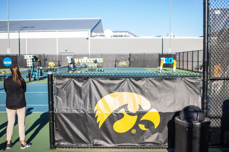 Iowa+players+warm+up+before+a+men%27s+tennis+match+between+Iowa+and+Michigan+State+at+the+HTRC+on+Friday%2C+April+19%2C+2019.+The+Hawkeyes+defeated+the+Spartans%2C+5-2.