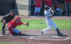 Iowa baseball throttles Nebraska, clinches series