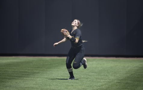 Iowa softball clinches spot in Big Ten Tournament, drops series to Buckeyes