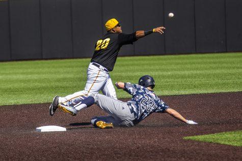 Iowa baseball throttles Nebraska for second win of series