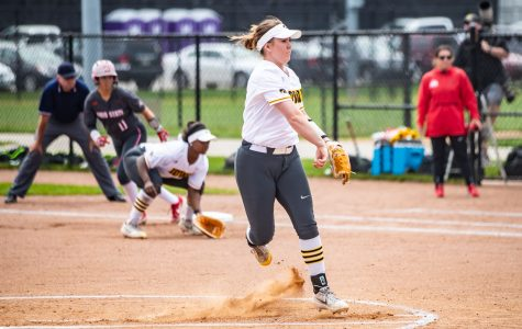 Hawkeye softball recognizes seniors in regular-season finale