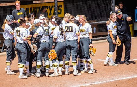 Hawkeye softball takes on Big Ten Tournament