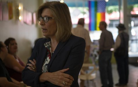 Rita Hart makes a campaign stop at Iowa City Yotopia