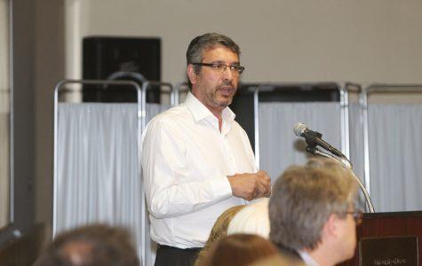 Iowa City engineer announces congressional bid
