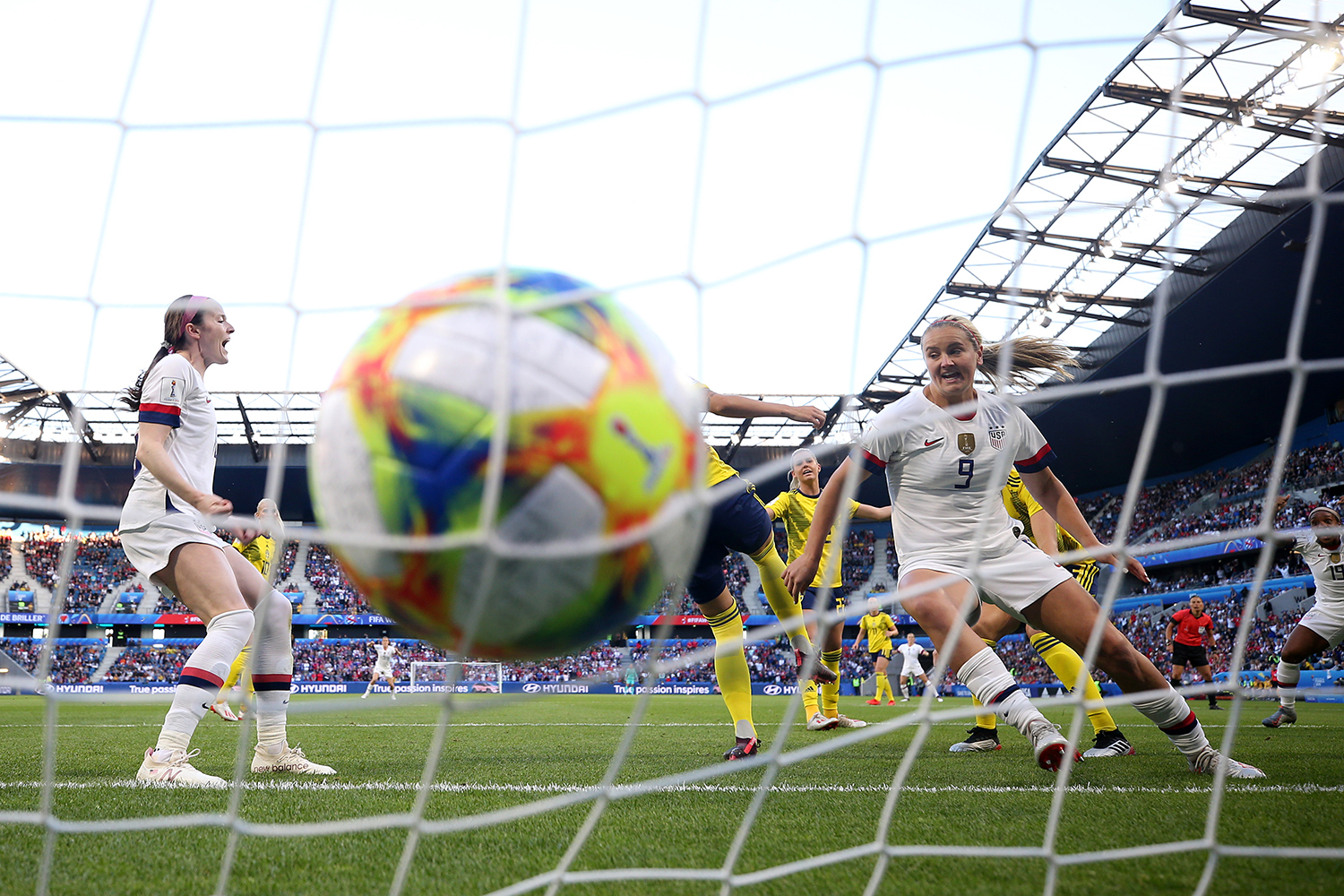 LE HAVRE, FRANCE - JUNE 20: Lindsey Horan of the USA scores her team's first goal the 2019 FIFA Women's World Cup France group F match between Sweden and USA at Stade Oceane on June 20, 2019 in Le Havre, France. (Alex Grimm/Getty Images/TNS)