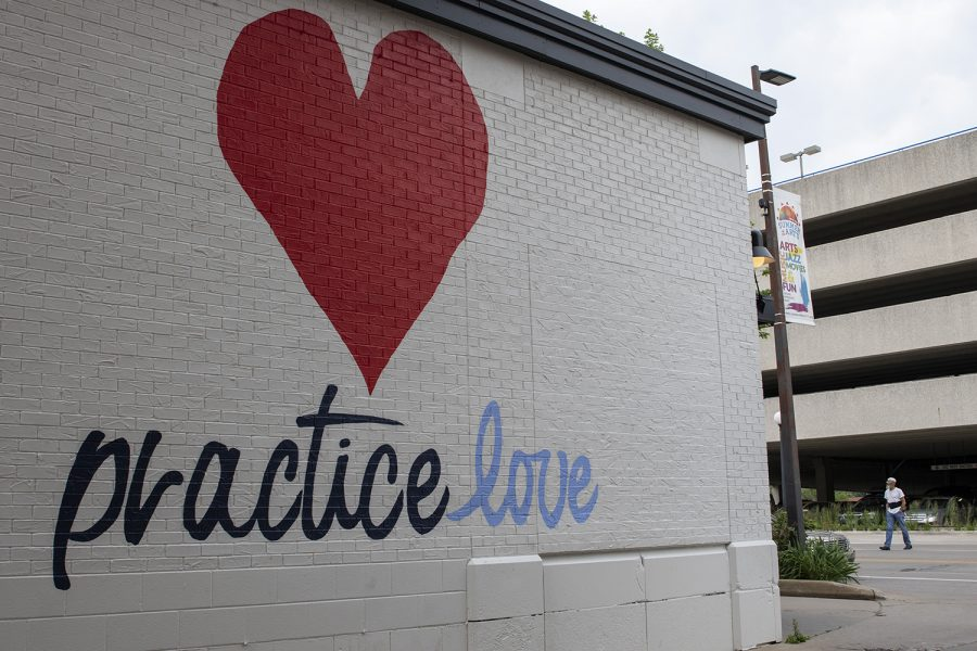 A+new+mural+is+seen+on+the+side+of+Hothouse+Yoga+on+June+22%2C+2019.+