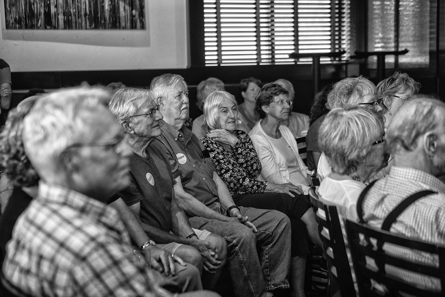 Attendees+listen+during+Governor+of+Montana+Steve+Bullock%E2%80%99s+meet+and+greet+in+Blackstone+on+July+10%2C+2019.+