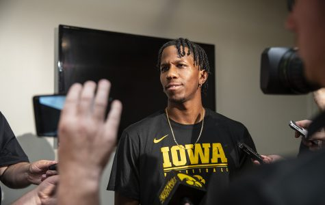 Iowa basketball's Evelyn fitting in with new teammates