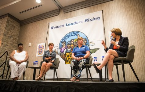 Amy Klobuchar advocates for labor rights in Iowa City stop