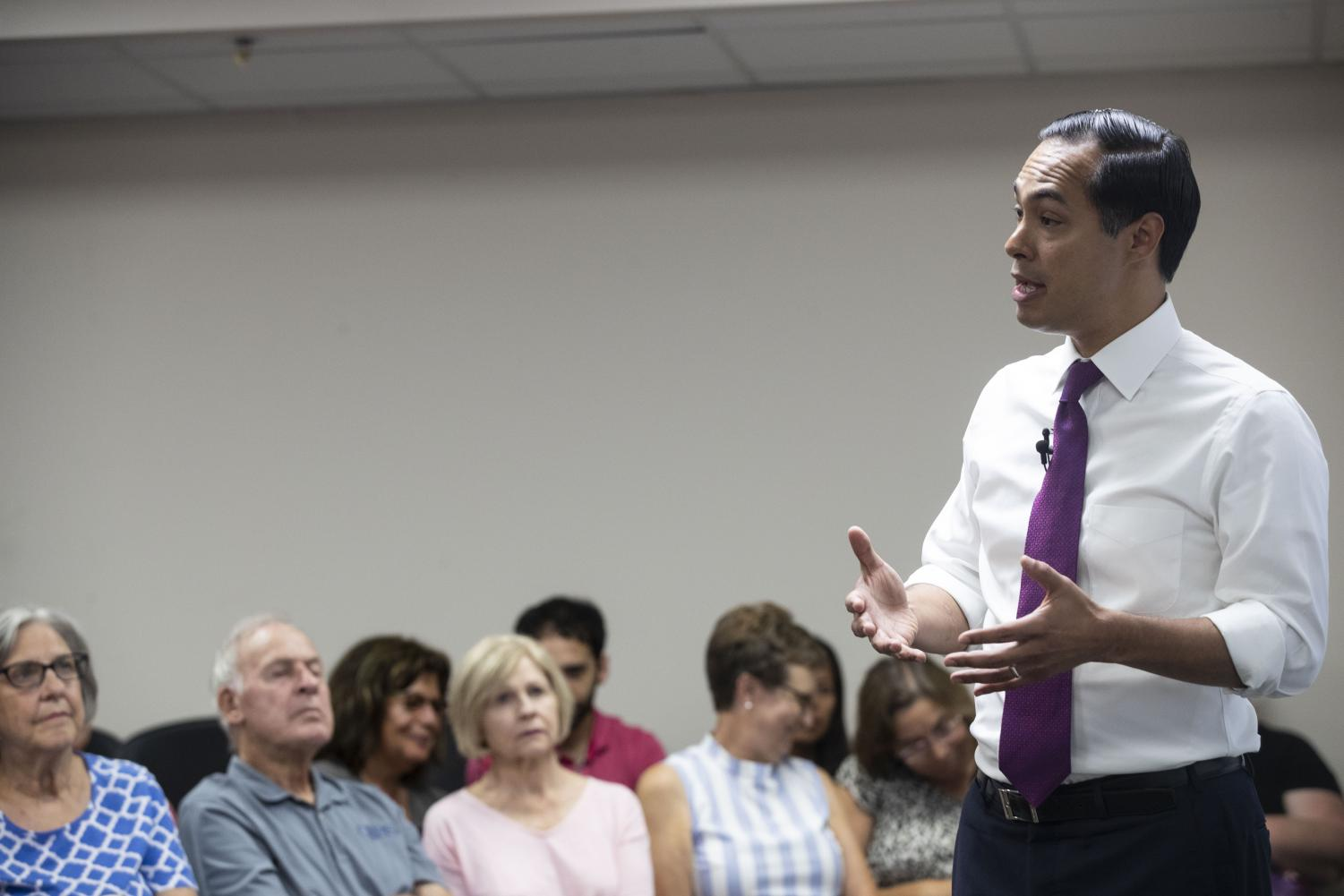 Former U.S. Secretary of Housing and Urban Development and 2020 Democratic candidate Julian Castro speaks on gun violence at a town hall organized by Moms Demand Action volunteers in North Liberty on Wednesday, August 14, 2019. (Jenna Galligan/The Daily Iowan)