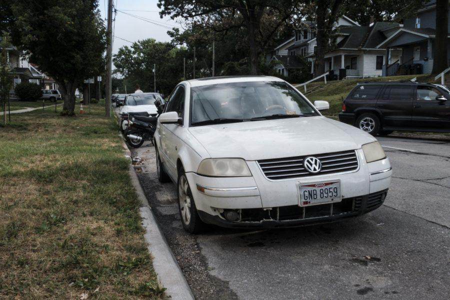 Cars+park+along+Dodge+Street+in+Iowa+City+on+Tuesday%2C+August+6%2C+2019.+%28Wyatt+Dlouhy%2FThe+Daily+Iowan%29