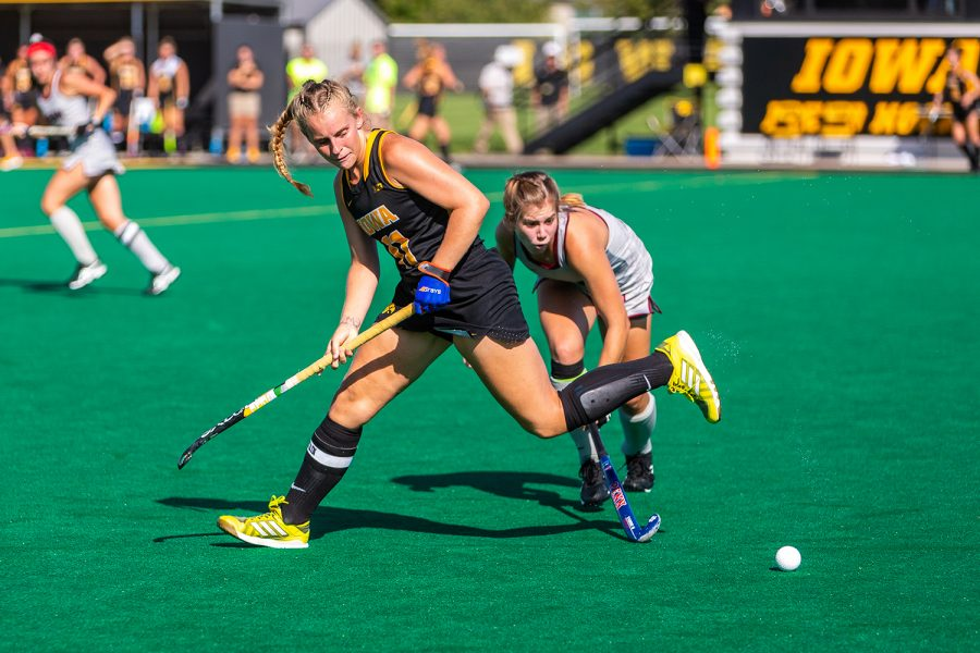 Iowa+midfielder+Katie+Birch+loses+control+of+the+ball+during+a+field+hockey+match+against+Penn+on+Friday%2C+Sep.+14%2C+2018.+The+Hawkeyes+defeated+the+Quakers+3%E2%80%930.+