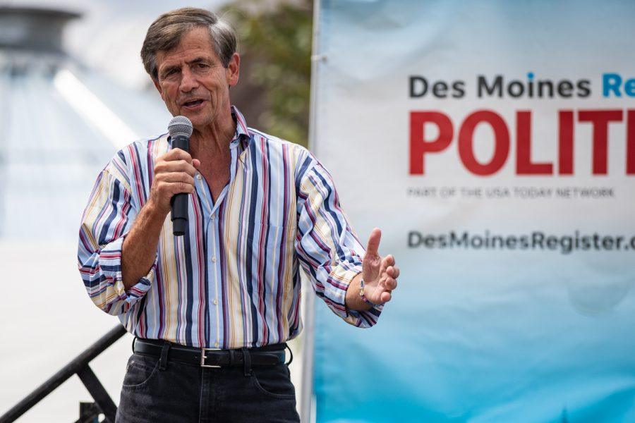 Former+representative+Joe+Sestak+speaks+at+the+Des+Moines+Register+Political+Soapbox+during+the+Iowa+State+Fair+in+Des+Moines%2C+IA+on+Saturday%2C+August+10%2C+2019.+