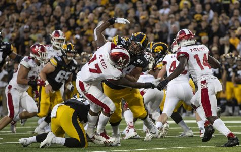 Iowa offensive line stays strong in wake of Jackson injury