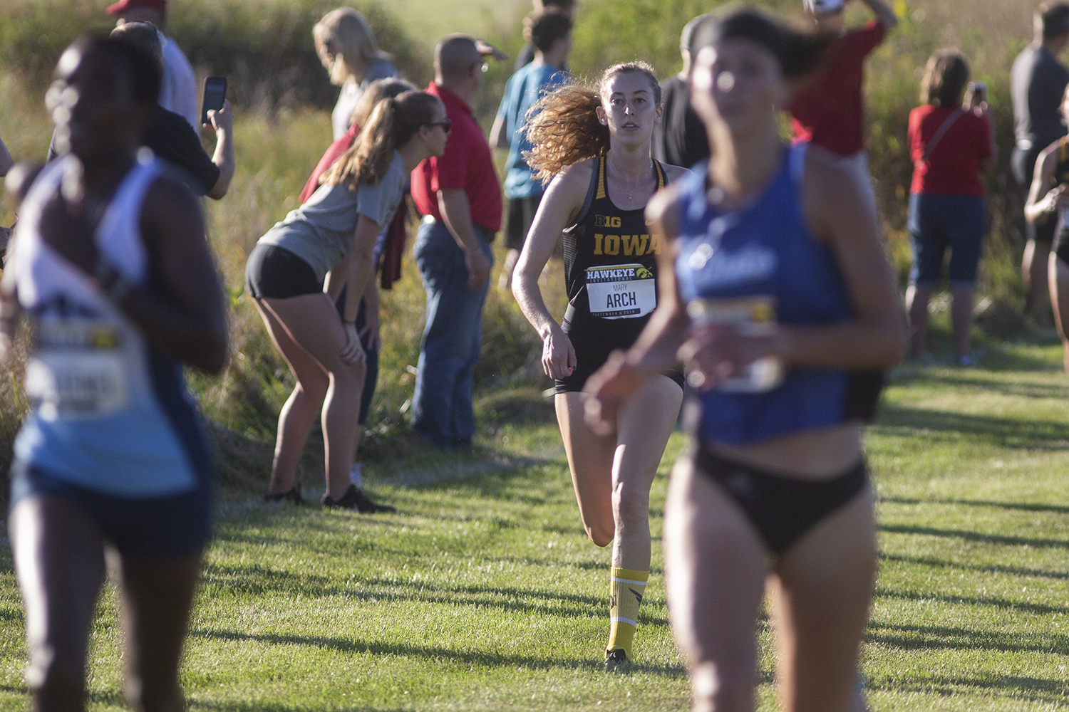 Iowa%E2%80%99s+Mary+Arch+makes+her+way+down+the+finishing+stretch+during+the+Hawkeye+Invitational+at+Ashton+Cross+Country+Course+on+Friday%2C+September+6%2C+2019.+Arch+finished+18th+with+a+time+of+14%3A50.2.+The+Hawkeyes+defeated+six+other+teams+to+finish+first+overall+for+both+men%E2%80%99s+and+women%E2%80%99s+races.