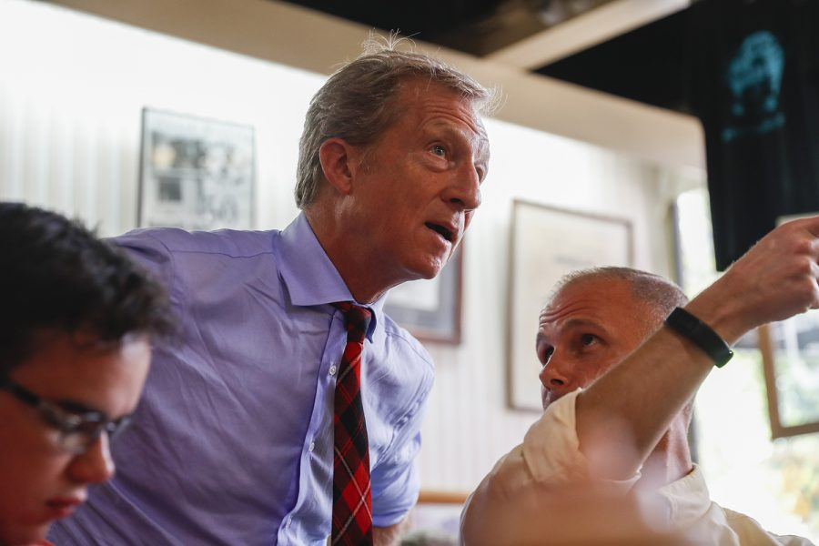 Democratic+candidate+Tom+Steyer+talks+to+diners+at+a+meet+and+greet+at+Hamburg+Inn+on+September+12%2C+2019.+