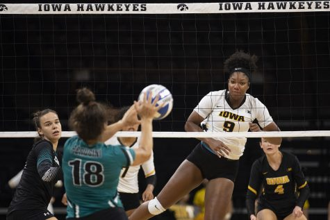 Rough streak continues as Hawks fall to Purdue