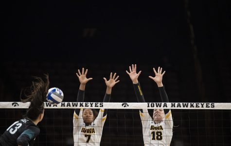 Iowa volleyball dropped by Michigan in four sets