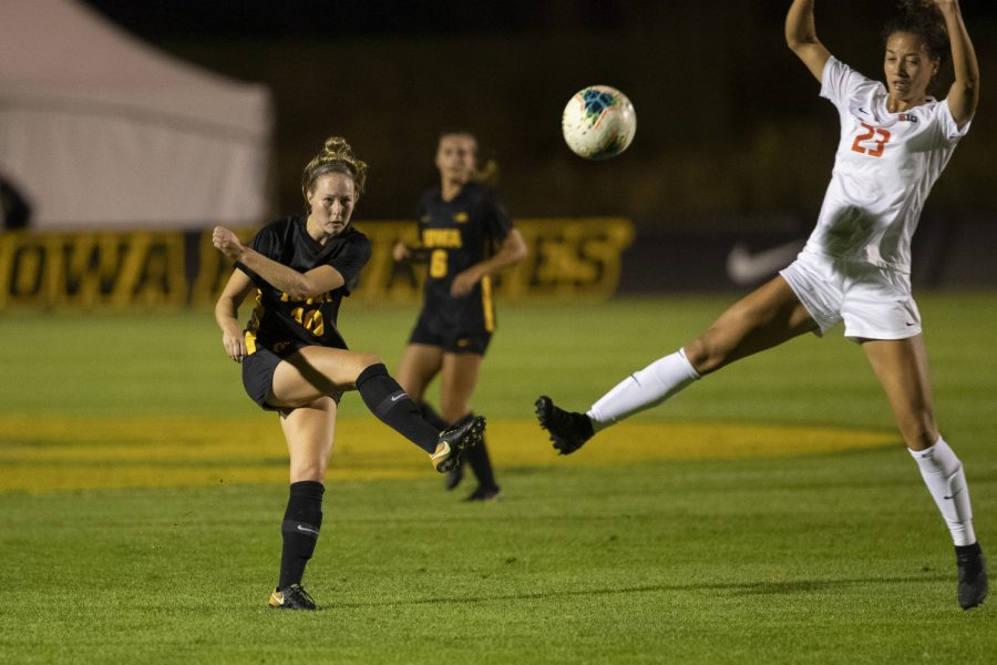 Iowa+midfielder+Natalie+Winters+kicks+the+ball+during+a+soccer+game+between+Iowa+and+Illinois+on+Sept.+26%2C+2019+at+the+Iowa+Soccer+Complex.+The+Hawkeyes+defeated+the+Fighting+Illini%2C+3-1.