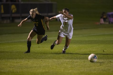 Iowa soccer starts Big Ten play in Indiana
