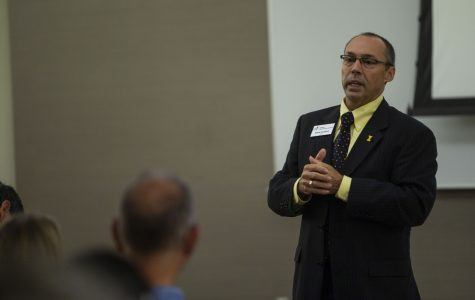UI College of Liberal Arts and Sciences Dean's Office restructuring