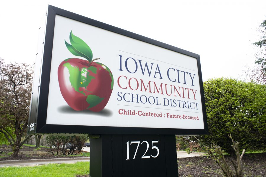 The+Iowa+City+Community+School+District+sign+is+seen+on+Apr.+29%2C+2019.