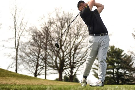 Men's golf finishes fourth at home