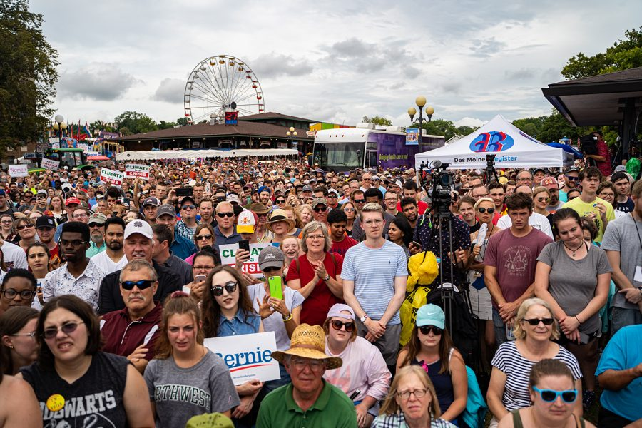 A+crowd+gathers+to+watch+Sen.+Bernie+Sanders+speak+during+the+Iowa+State+Fair+in+Des+Moines%2C+IA+on+Sunday%2C+August+11%2C+2019.+
