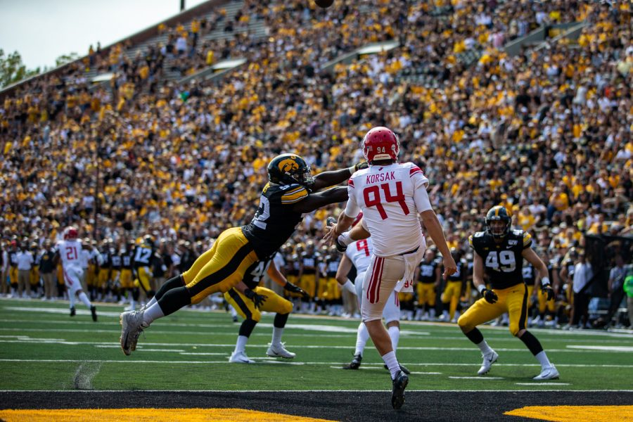 Iowa+LB+Amani+Jones+almost+blocks+a+punt+during+a+football+game+between+Iowa+and+Rutgers+at+Kinnick+Stadium+on+Saturday%2C+September+7%2C+2019.+The+Hawkeyes+defeated+the+Scarlet+Knights+30-0.+