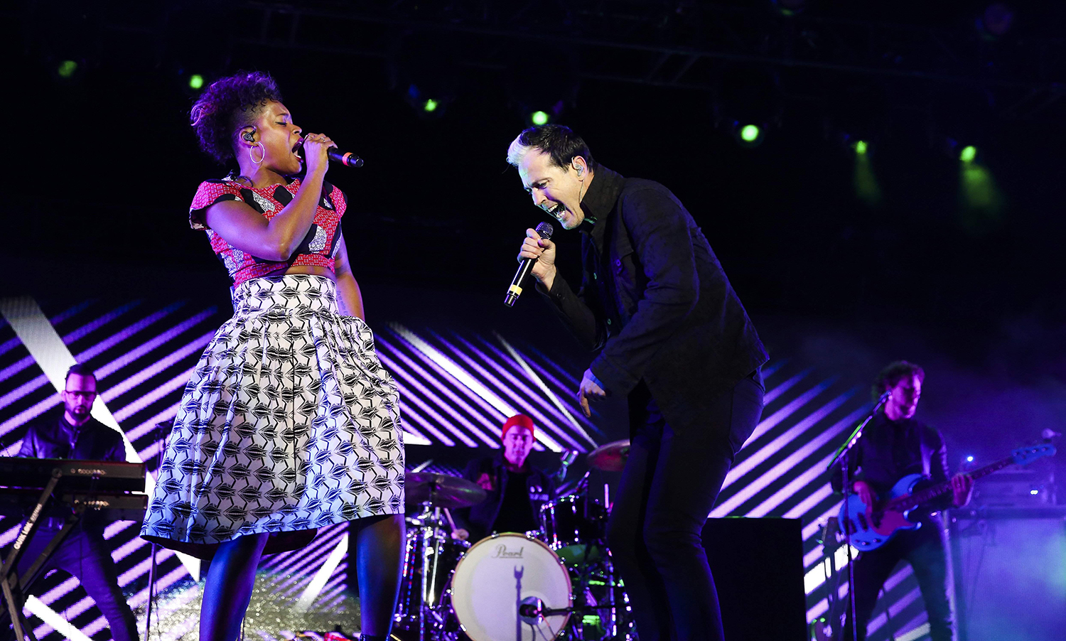 """Fitz and The Tantrums, featuring singers Noelle Scaggs, left, and Michael """"Fitz"""" Fitzpatrick, right, performed at the 2018 Enterprise NHL All-Star Friday Night concert at"""