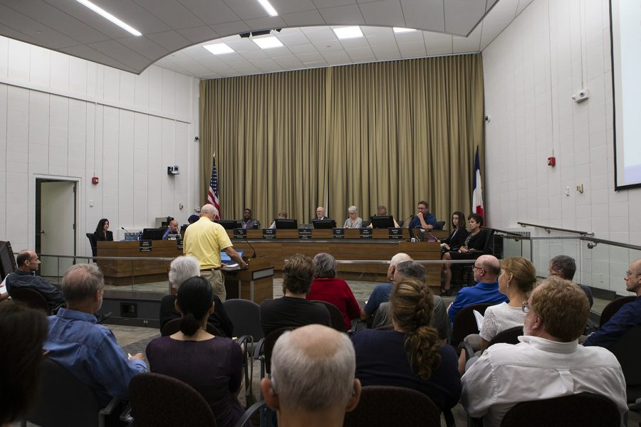 City+council+members+discuss+zoning+issues+at+City+Hall+on+Tuesday%2C+September+17%2C+2019.+