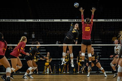 No. 6 Nebraska sweeps Iowa volleyball at home