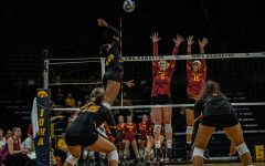 Iowa volleyball hosts Wolverines, Spartans at home this weekend
