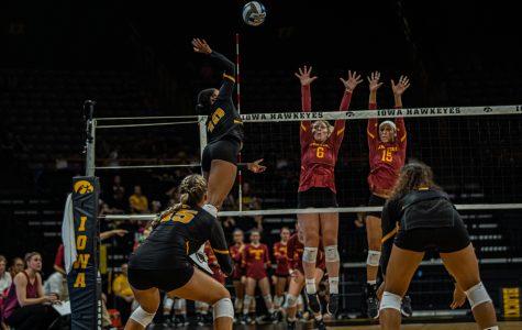 Volleyball's comeback against ISU falls short