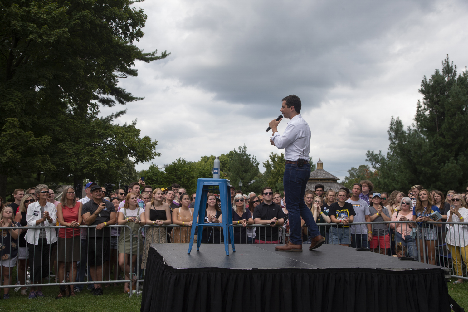 2020+Democratic+candidate+Pete+Buttigieg+addresses+the+crowd+during+a+lawn+event+to+celebrate+opening+his+new+campaign+office+in+downtown+Iowa+City+on+September+2%2C+2019.