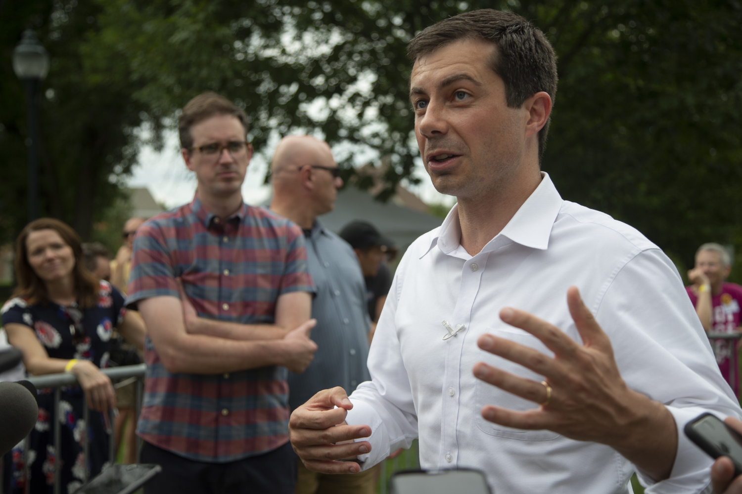 2020+Democratic+candidate+Pete+Buttigieg+addresses+event+attendants+during+a+lawn+event+to+celebrate+opening+his+new+campaign+office+in+downtown+Iowa+City+on+September+2%2C+2019.