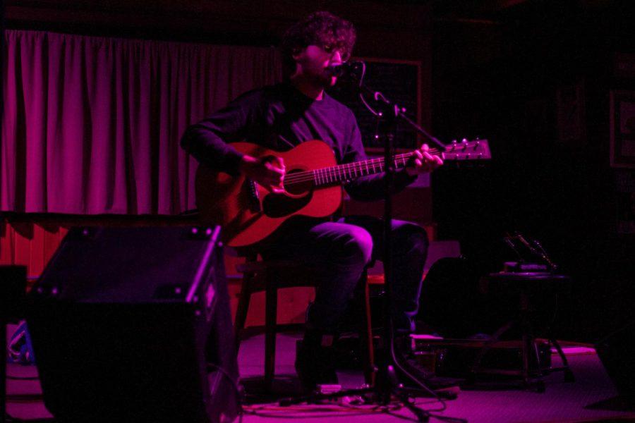 John Calvin Abney's folk music bloomed at the Trumpet Blossom Café