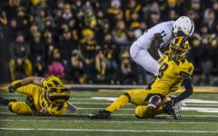 Hankins' return boosts Hawkeye secondary