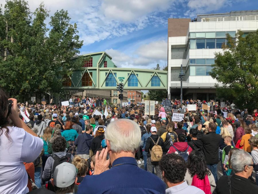 Climate+activist+Greta+Thunberg+speaks+to+a+crowd+of+nearly+3%2C000+community+members+at+the+corner+of+Iowa+Ave.+and+Dubuque+St.+on+Friday%2C+Oct.+4.+Thunberg%2C+who+garnered+international+attention+with+her+speeches+before+the+United+Nations+and+United+States+Congress%2C+encouraged+those+in+attendance+to+take+a+stand+against+climate+change.+