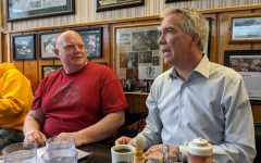 UI grad and presidential hopeful Joe Walsh returns to Iowa City for homecoming