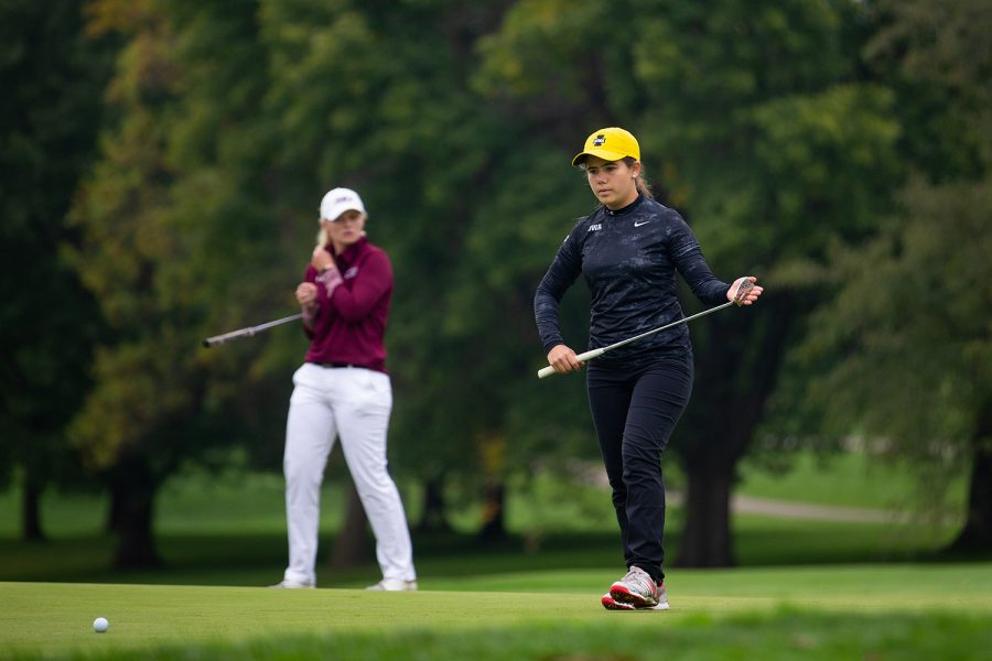 Iowa%27s+Manuela+Lizarazu+follows+her+putt+during+the+Diane+Thomason+Invitational+at+Finkbine+Golf+Course+on+September+30th%2C+2019.+The+Hawkeyes+placed+1st+overall.