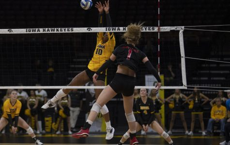 Volleyball looking to bounce back against Illinois